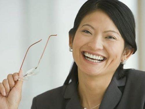 依骨質條件,挑選植體及植牙方式