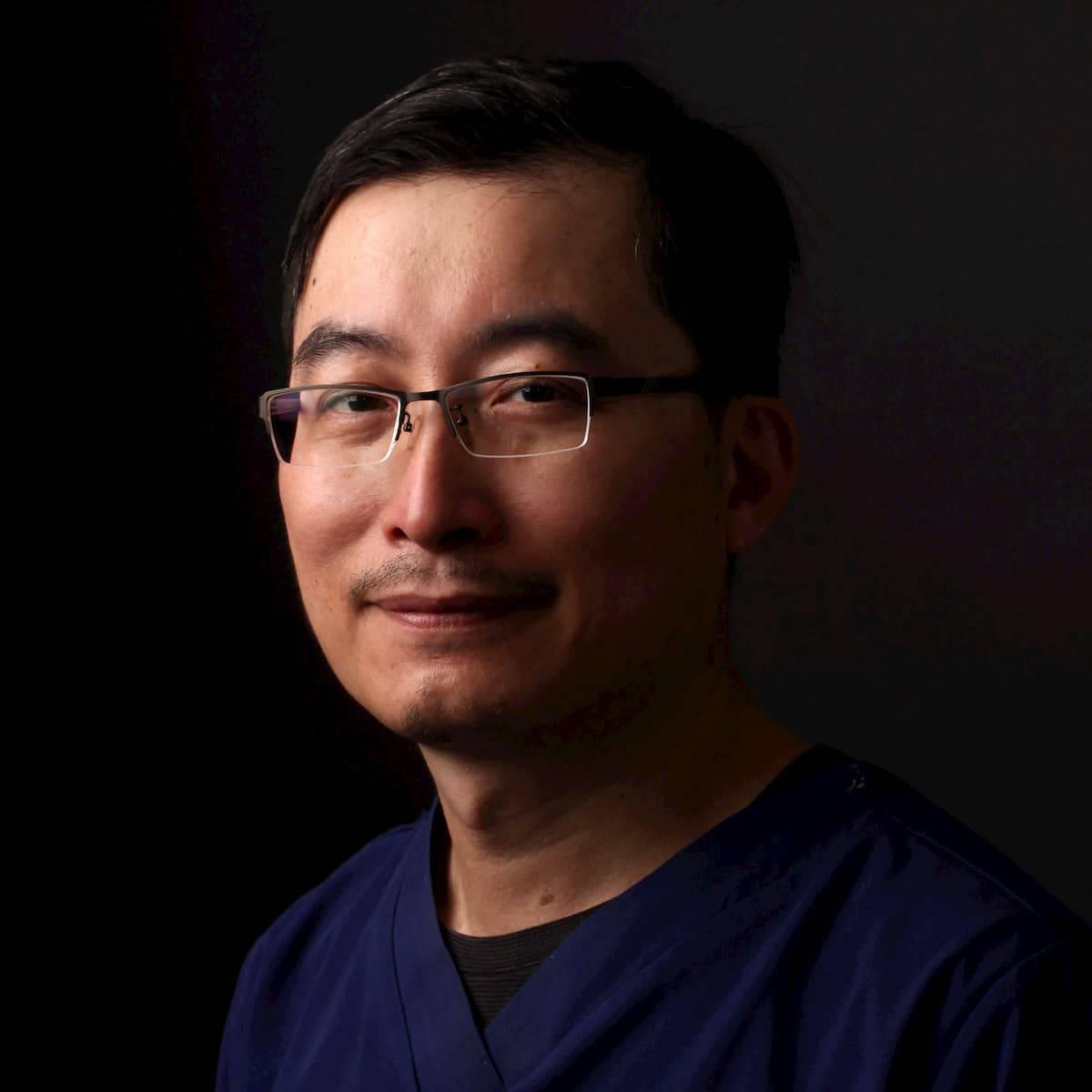 dr張箭球醫師-瑞比牙醫院長-photo